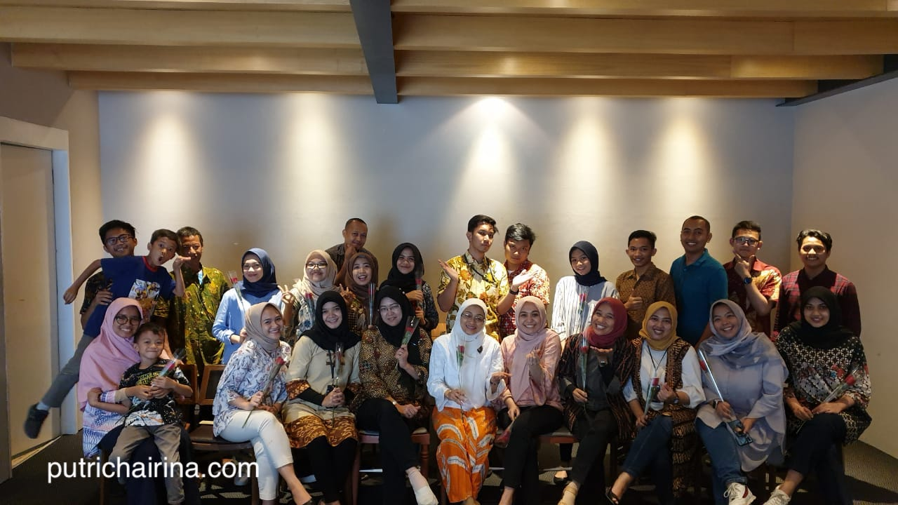 Hari Ibu Foto Bersama Seluruh Tim Enterprise Marketing