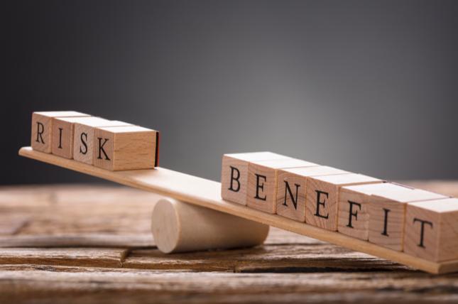 teori utilitas risk and benefit
